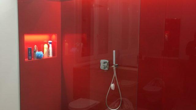 Box doccia con porta scorrevole | Vetreria Novart - Lavis